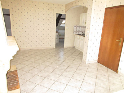 TEXT_PHOTO 1 - LOCATION APPARTEMENT F2 MONTLUCON
